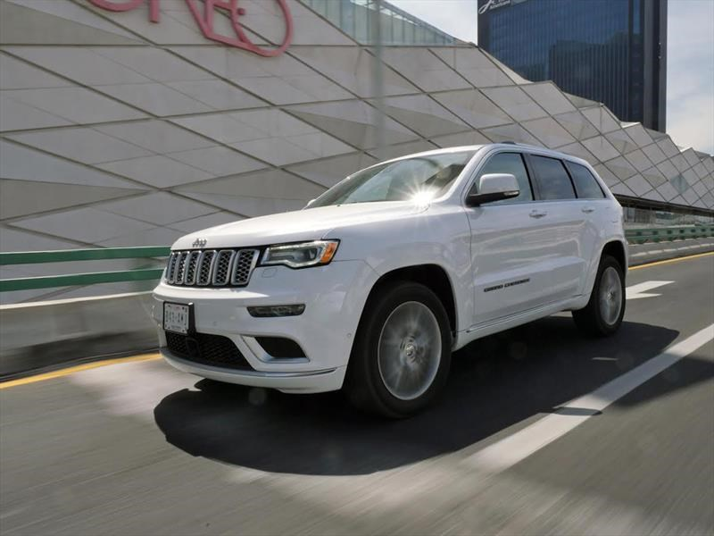 Manejamos la Jeep Grand Cherokee Summit Elite Platinum 2017