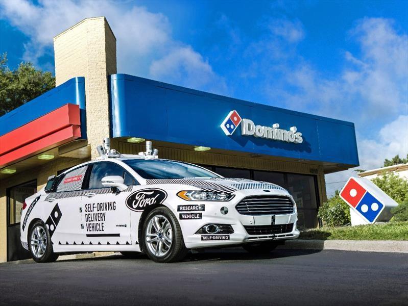 Ford autónomos realizarán entregas a domicilio de Domino´s Pizza