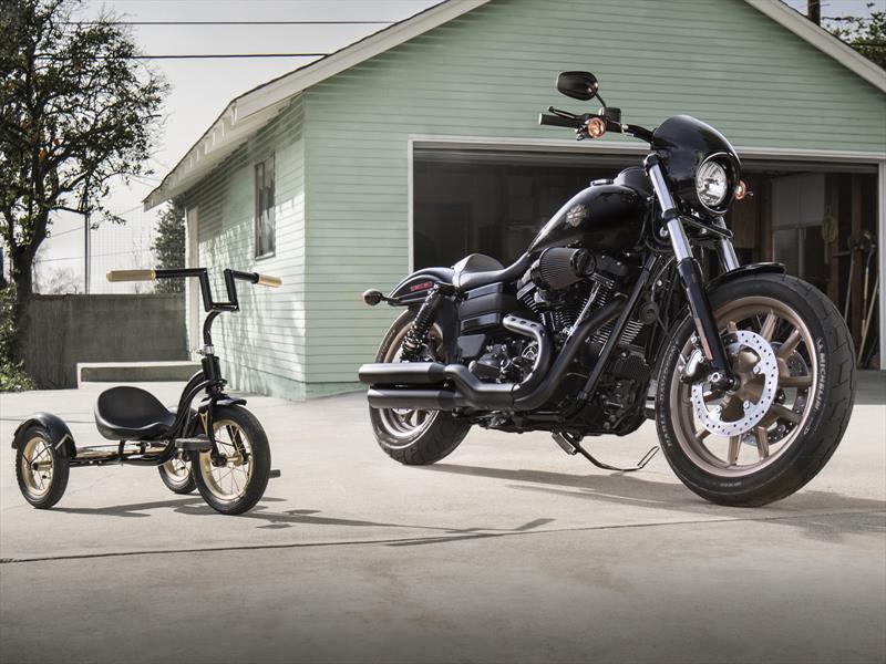 "Harley-Davidson and... ""LiveYourLeyend"""
