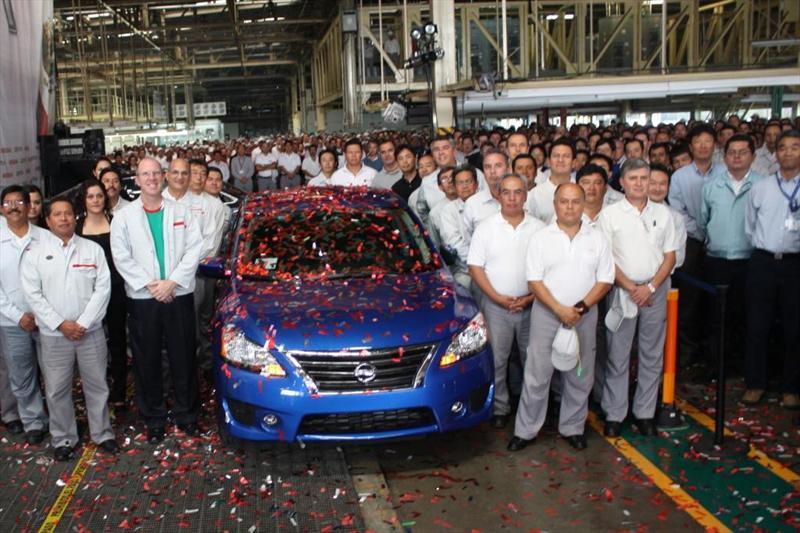 Nissan Sentra 2013 inicia producción en Aguascalientes