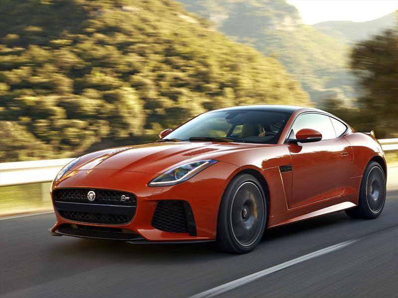 Jaguar F-Type SVR 2017, el auto más rápido de Jaguar