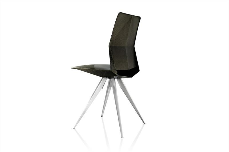 Diseñadores de Audi crean silla inspirada en el R18