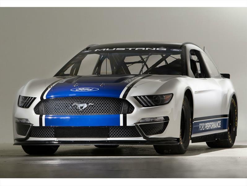 Ford Mustang NASCAR Cup está listo para competir con el Chevrolet Camaro ZL1 NASCAR Cup