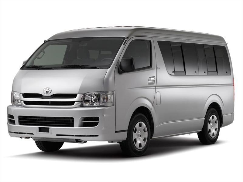 Toyota Hiace 2013 es llamado a revisión - Autocosmos.com