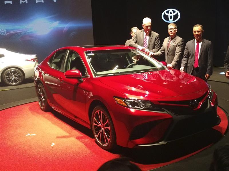 Toyota Camry 2018 llega a México desde $409,900 pesos