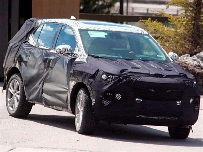 Chevrolet Tracker se deja ver con camuflaje