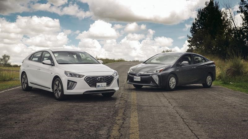 Frente a frente: Hyundai Ioniq vs Toyota Prius, ¿cuál es mejor opción de compra?