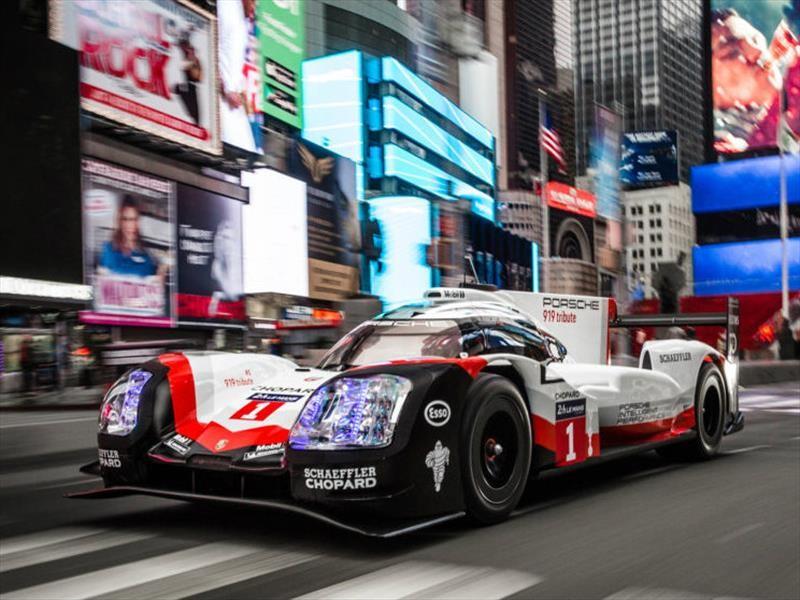 Porsche 919 Hybrid visita las complicadas calles de New York City