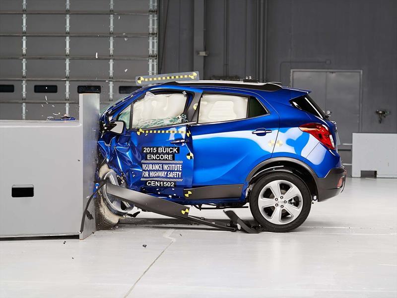 Buick Encore y Chevrolet Tracker, destacados en el Top Safety Pick del IIHS