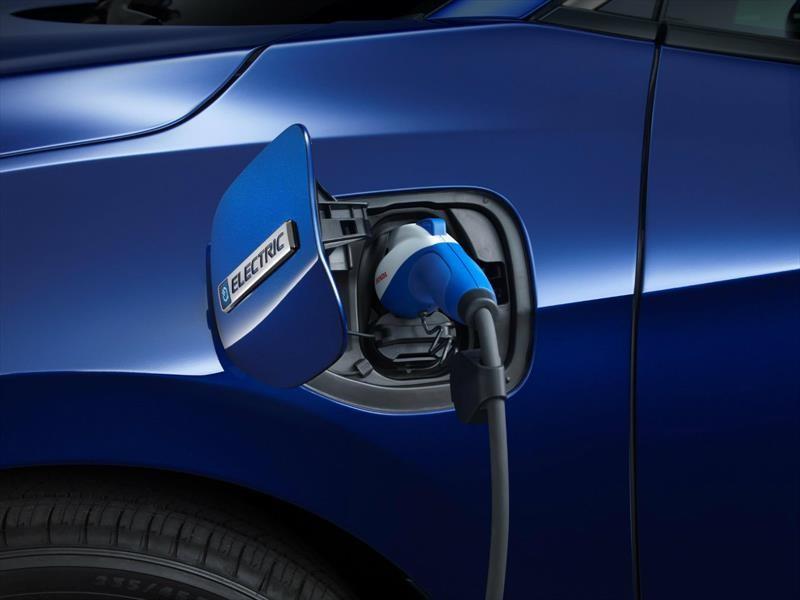 Se pronostica que para 2040, uno de cada tres autos sea eléctrico