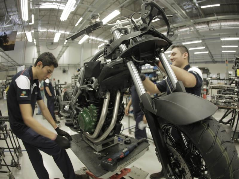 BMW inaugura planta de motos en Brasil
