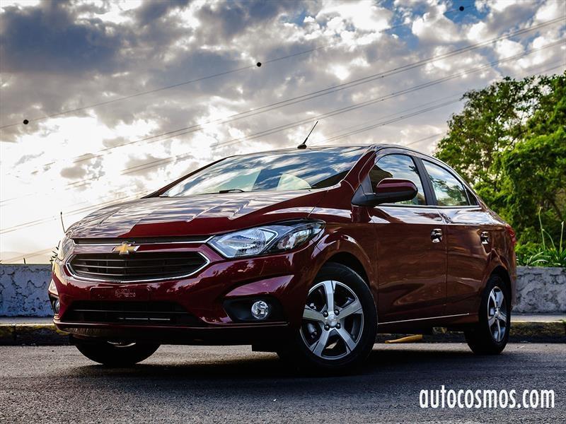 Manejando el Chevrolet Prisma 2017