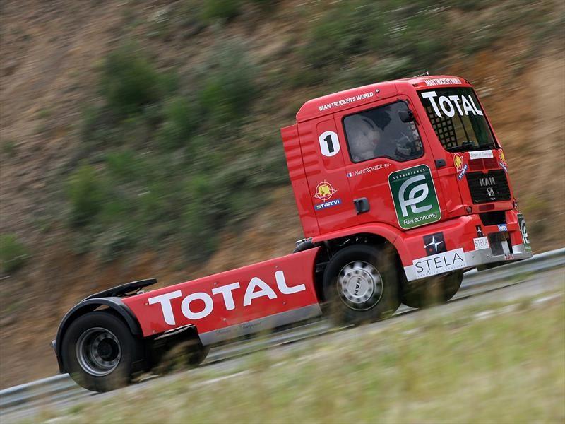 La Rubia Óptima de Total se encarga de la lubricación en camiones