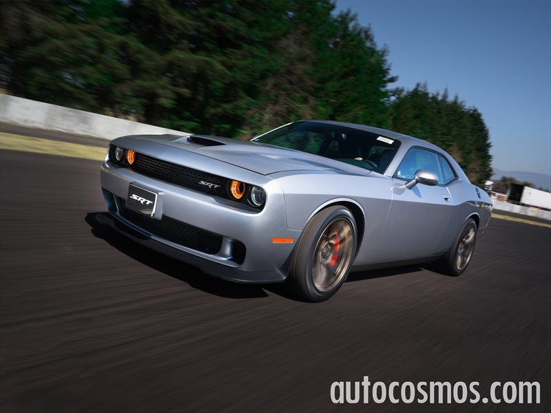 Dodge Challenger SRT Hellcat 2015 a prueba