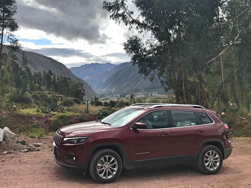 Jeep renueva el Cherokee y alista su arribo a Chile