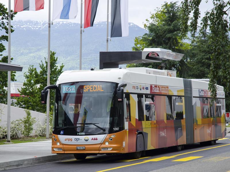 Autobuses eléctricos se recargan en 15 segundos
