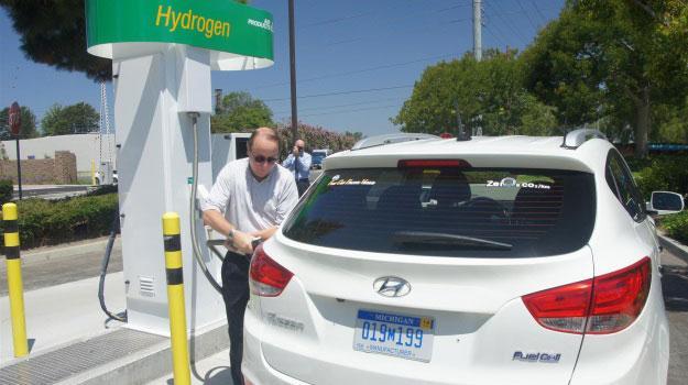 Abren estación de hidrógeno que funciona con agua no potable
