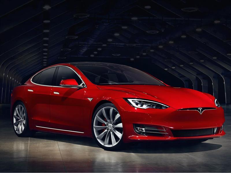 Tesla Model S es el carro que mejor acelera