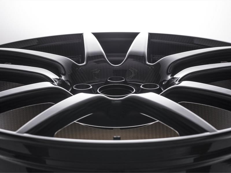 Estos son los pros y contras de los rines de aluminio, acero y fibra de carbono