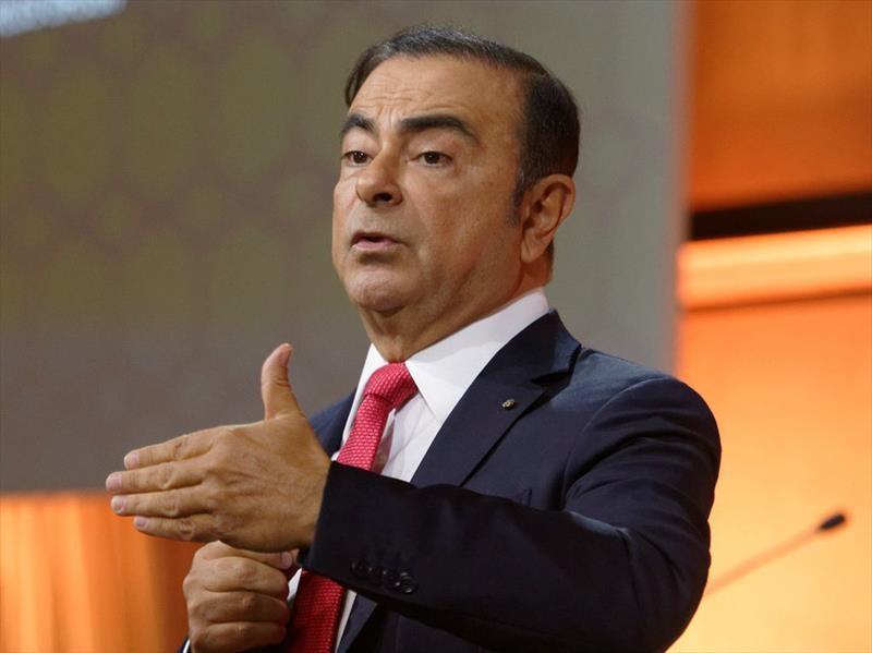 Carlos Ghosn también es removido de Mitsubishi