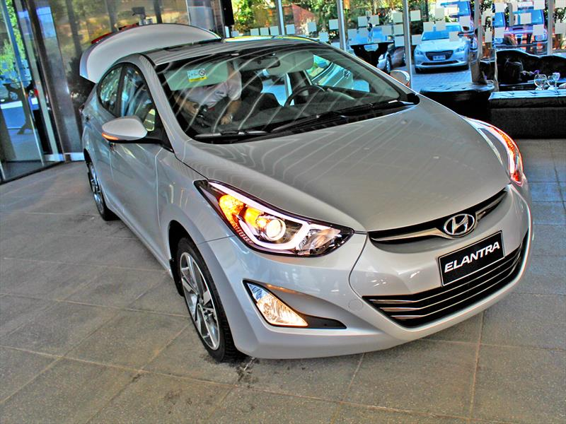 Nuevo Hyundai Elantra Fl 2014 Ya Est 225 En Chile Autocosmos Com