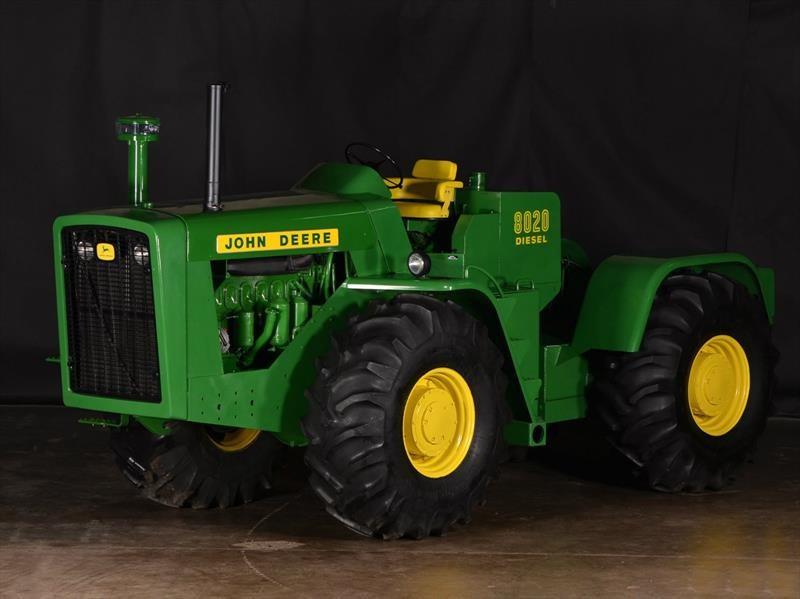 A subasta una impresionante colección de tractores clásicos John Deere