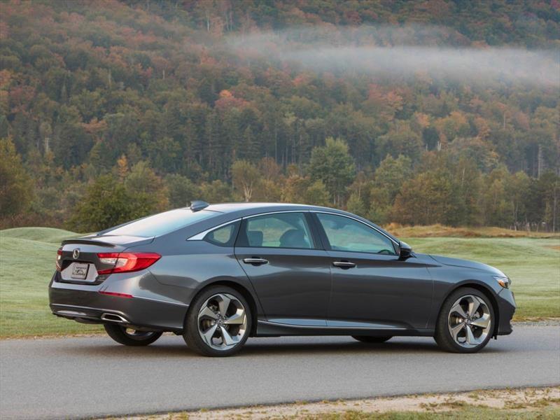 Honda lanza un Accord con el motor del Type R