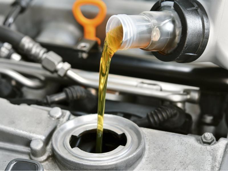 La importancia del aceite en los motores de los automóviles