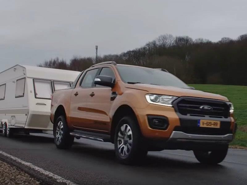 Ford Ranger supera una increíble prueba de arrastre