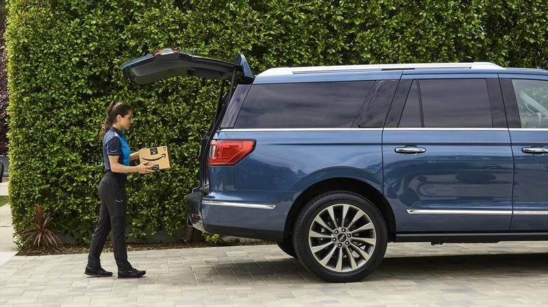 Amazon ofrece el servicio de entrega de paquetes en el interior de vehículos Ford y Lincoln