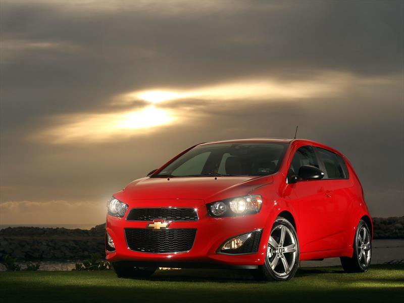 Chevrolet Sonic RS 2014 llega a México en $269,000 pesos ...