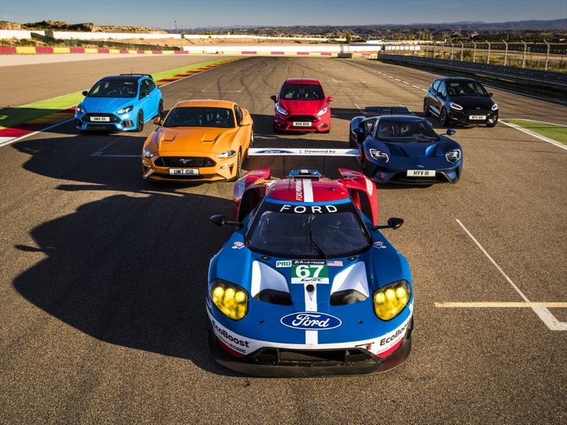 Video: Ford enfrenta a sus 8 deportivos en una pista