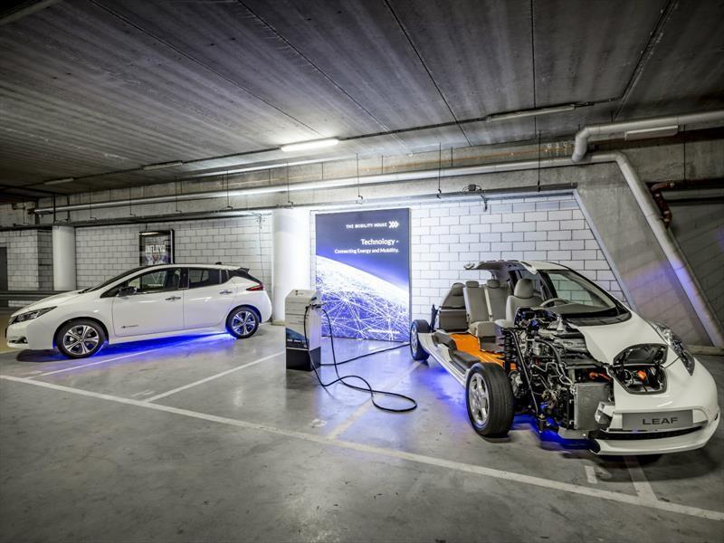 Nissan usa baterías de autos eléctricos para iluminar un estadio