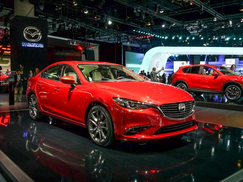 sal n de los angeles 2014 mazda6 2016 se actualiza el sed n mediano japon s noticias. Black Bedroom Furniture Sets. Home Design Ideas