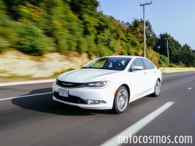 Test de Chrysler 200 2015