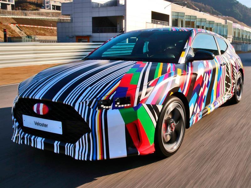 Hyundai viste de camouflage al Veloster 2019