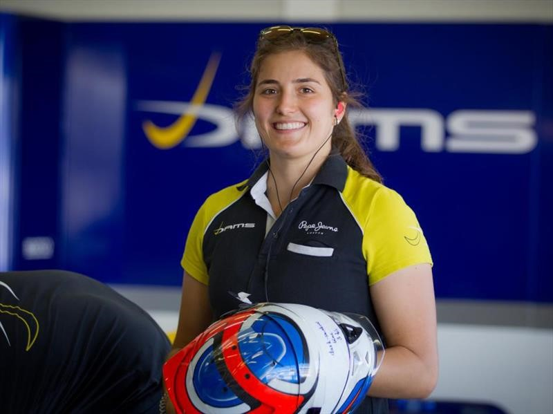 F1: Tatiana Calderón es la nueva piloto de pruebas de Sauber