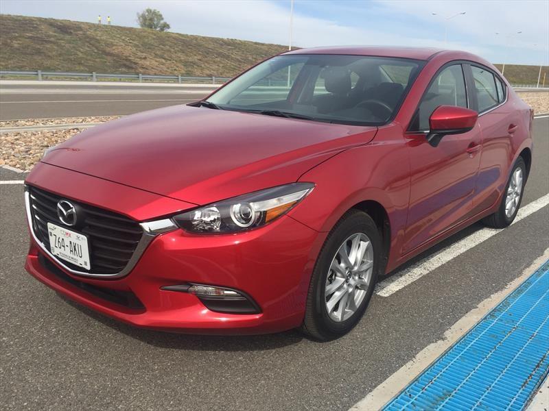 Mazda 3 2017 llega a México desde $265,900 pesos