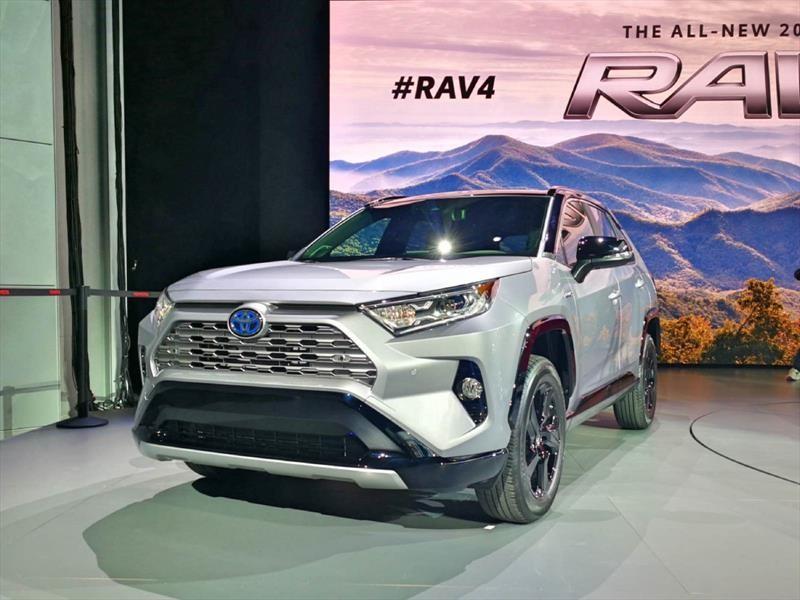 Toyota RAV4 2019, renovación por fuera y por dentro