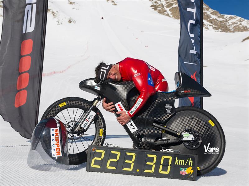 Nuevo récord mundial de velocidad en una bicicleta de montaña