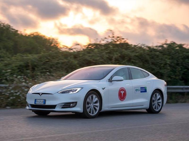 Nuevo récord de autonomía de un Tesla Model S