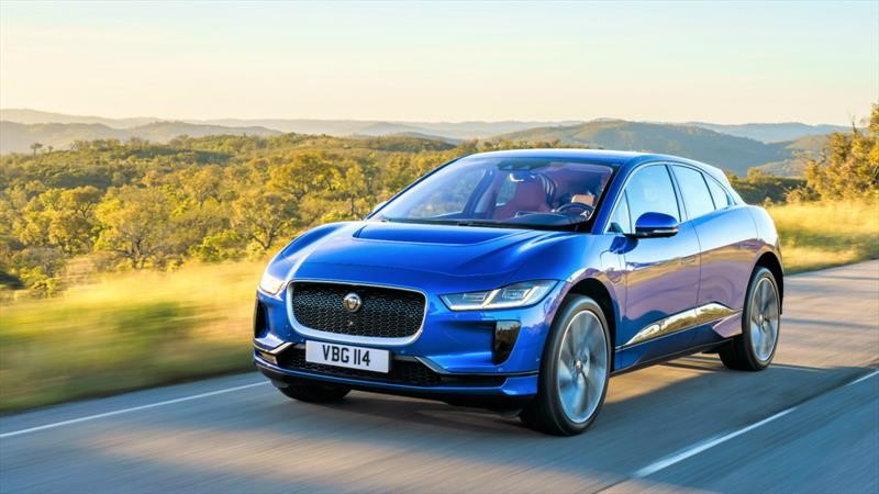 Jaguar Land Rover reciclará plástico en partes de autos
