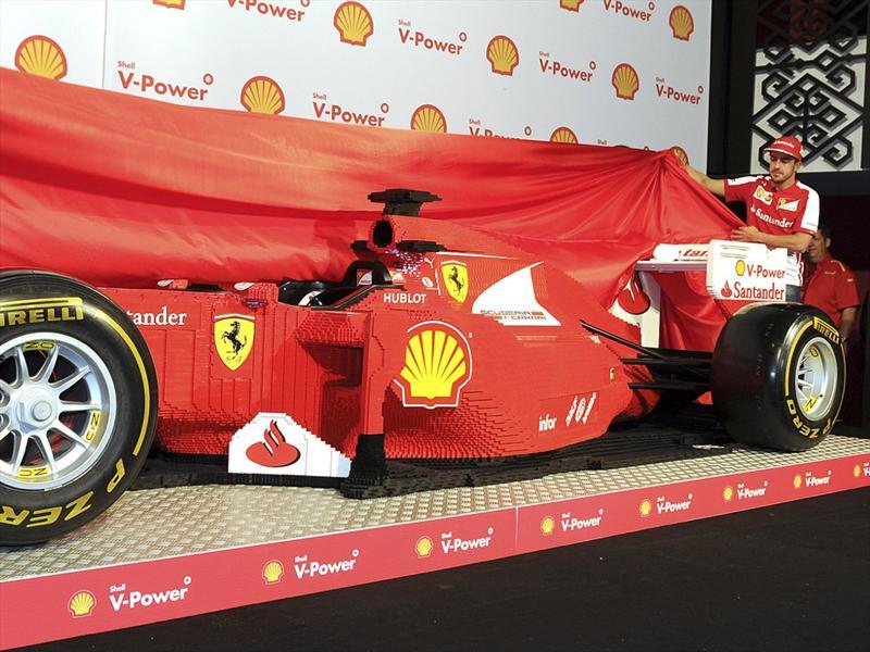 Ferrari F1 hecha con LEGO en tamaño real