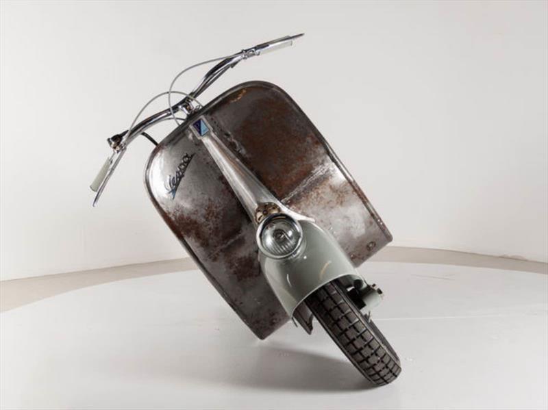 Se pone a la venta la Vespa más antigua del mundo