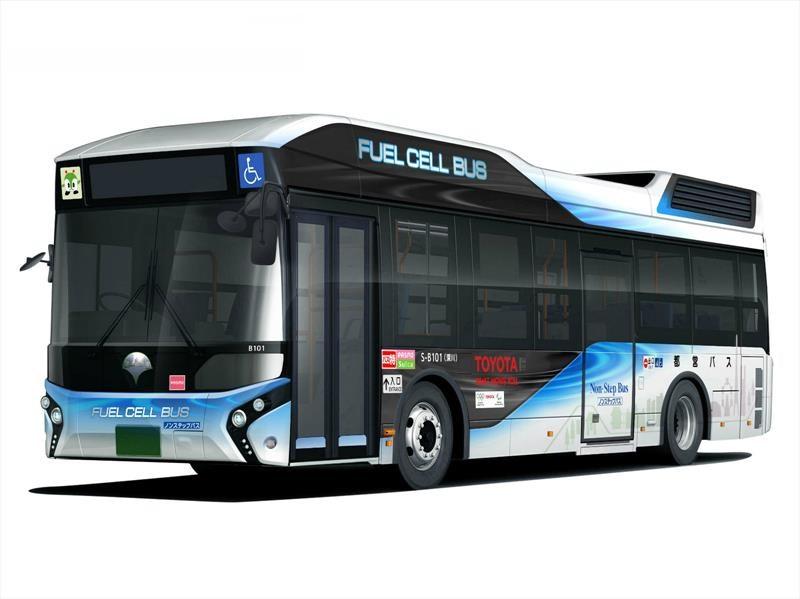 Toyota entrega un autobús de pila de combustible al gobierno de Tokio