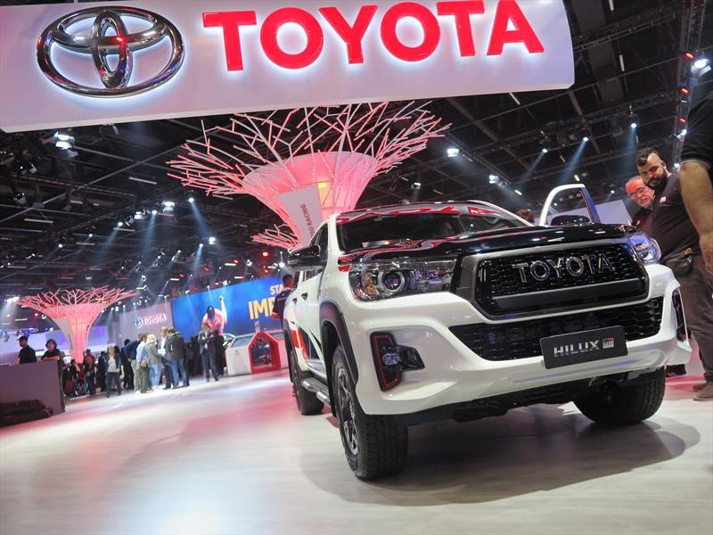 Toyota Hilux GR Sport 2019, la indestructible también es deportiva