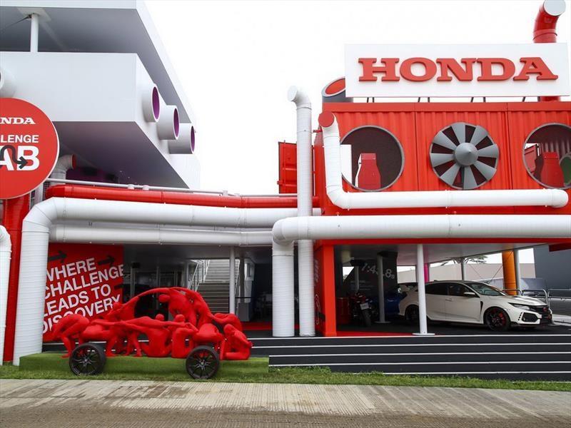 Honda sorprende con esculturas humana en Festival de Goodwood
