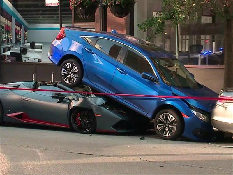 Lamborghini Huracán Spyder provoca accidente
