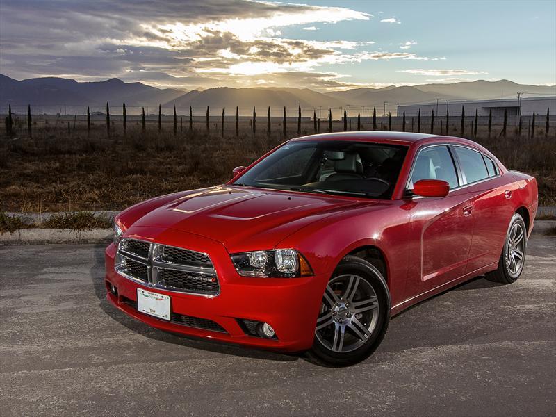 Dodge Charger SXT Premium 2013 a prueba