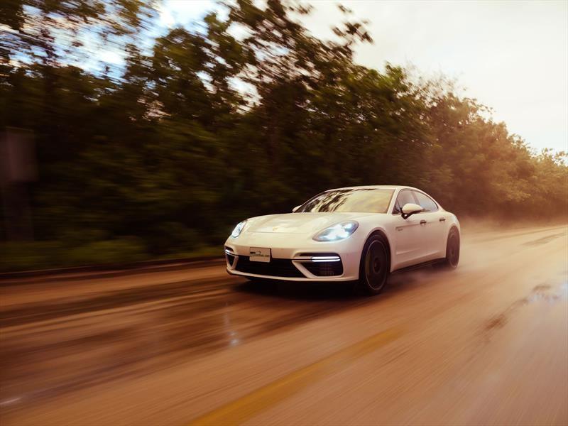 Porsche Panamera Turbo S E-Hybrid 2018: contacto en suelo Maya